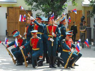 Москвичей и гостей столицы познакомят со славной историей Преображенского полка
